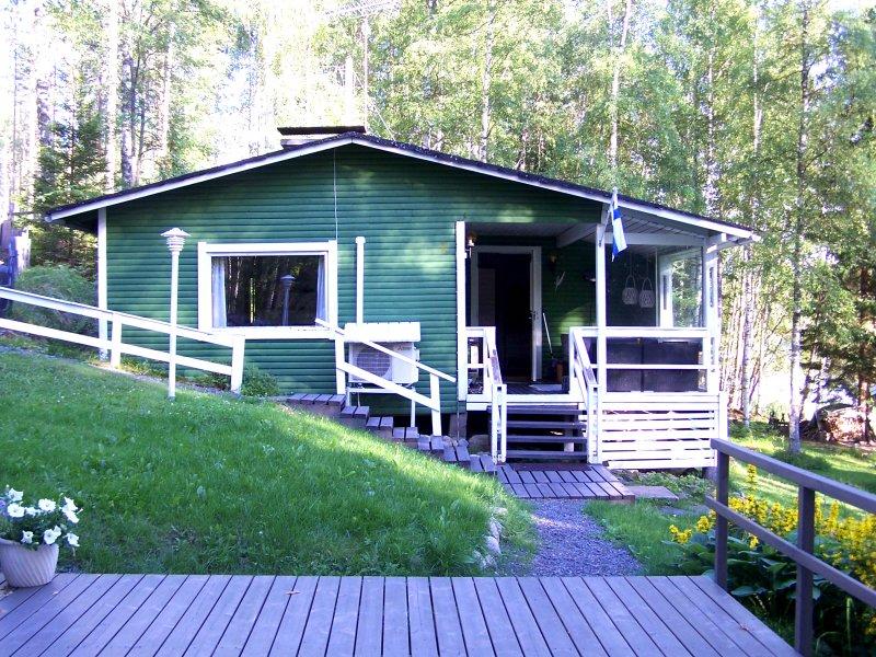 Grünes Mökki in Finnland