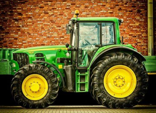 Traktor auf Latein